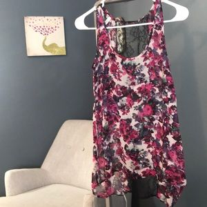 Tank top with black lace panel in back